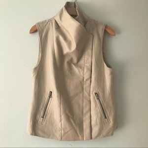 LINEN AND FAUX LEATHER VEST